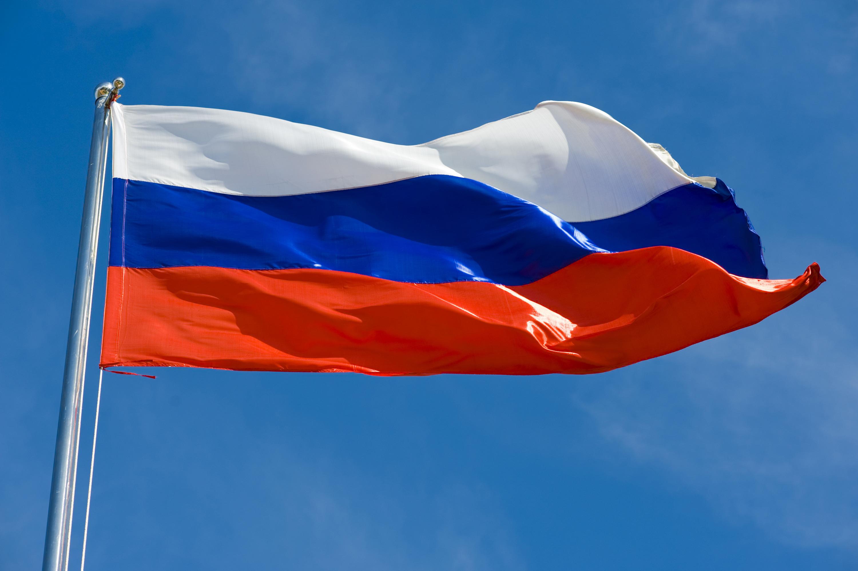 flag-rossiya-nebo